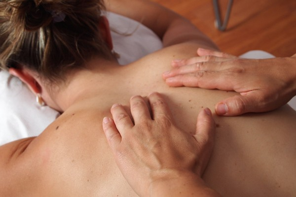 Massage with natural oils